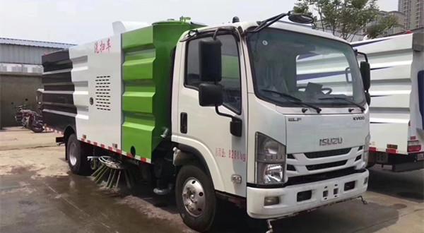 5吨五十铃5070TXS5QL型洗扫车