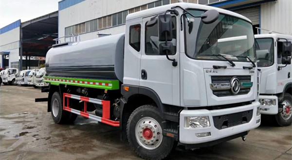 12吨东风D9绿化喷洒车